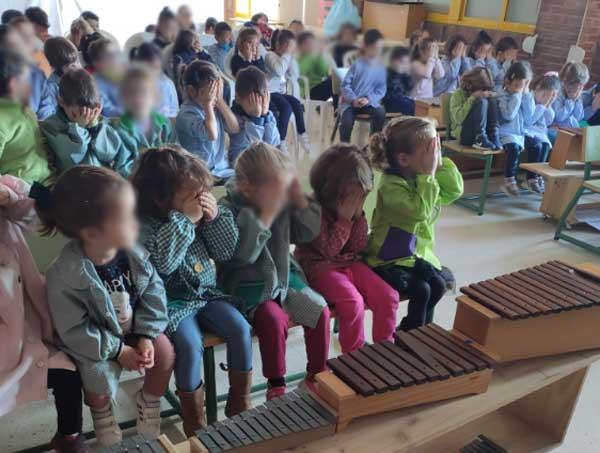 niños aprendiendo la discapacidad